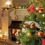 Umetno izbrano božično drevo naj čim bolj spominja na pravo